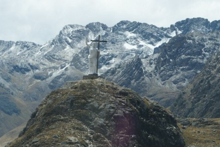 pomnik Chrystusa na wysokosci 4500 mnpm