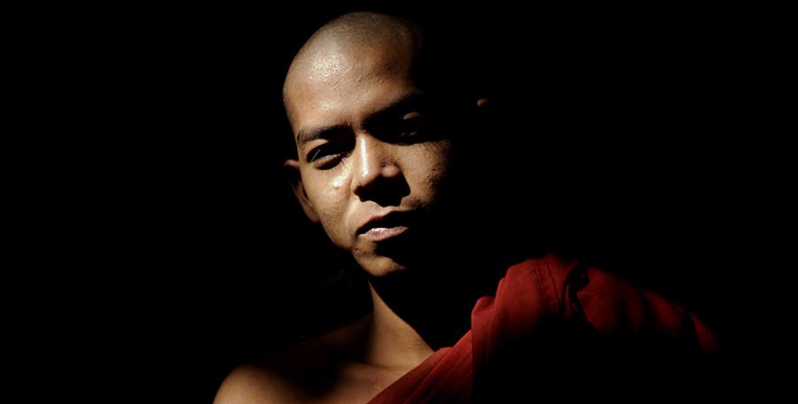 Historia jednej fotografii: O mnichu, który szukał żony (i nadal szuka)