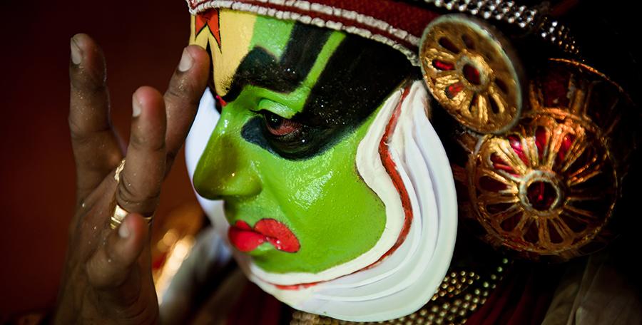 [foto]: Kathakali – za kulisami