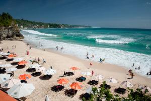 """Balijskim plażom mówimy """"dość""""?"""