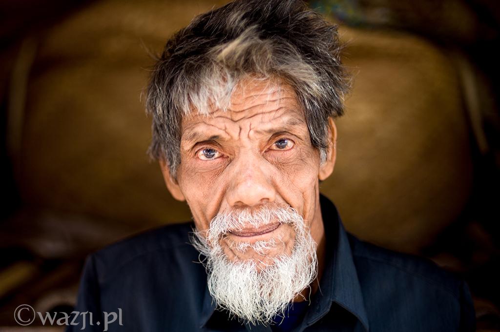 18. Indonezja, Sumba. Wspaniała twarz z wioski Tarung. (listopad 2014)