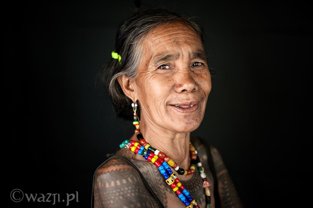 5. Filipiny, Kalinga. Gann-ao,  siostra Fang-od, zwykle pomijana jako ta mniej atrakcyjna i mało interesująca. (kwiecień 2014)