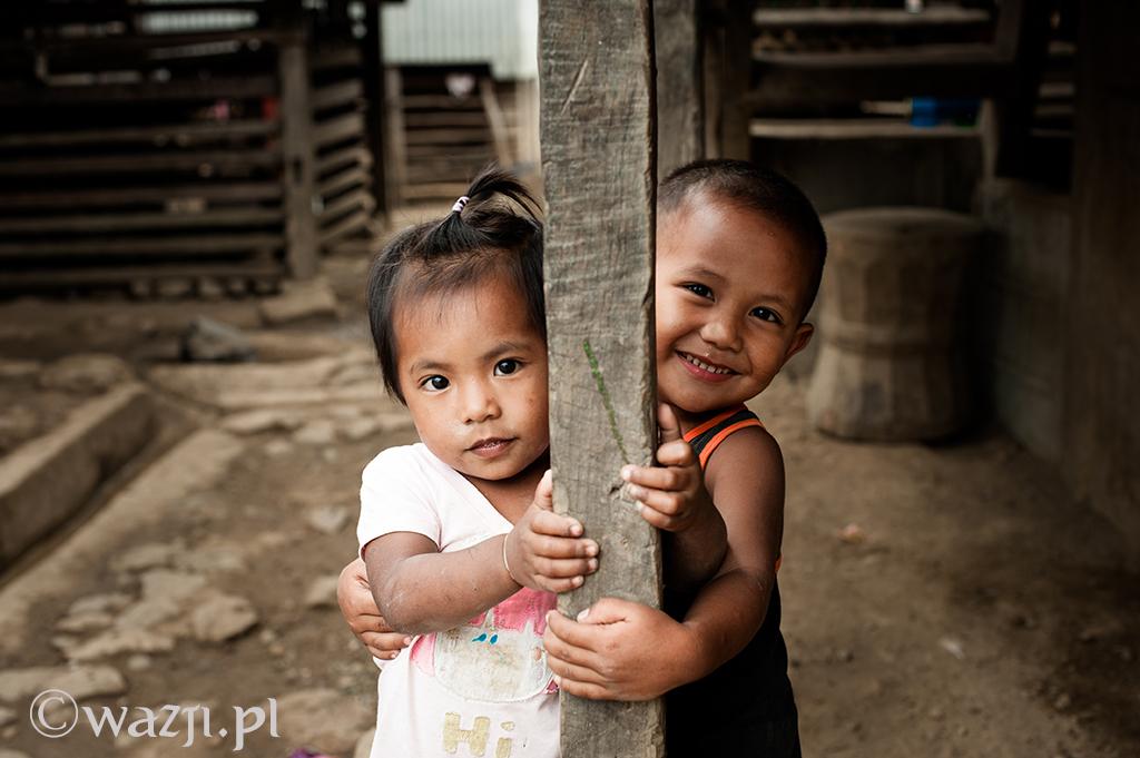 6. Filipiny, Kalinga. Dzieci z wioski Buscalan. Wprost urocze. (kwiecień 2014)