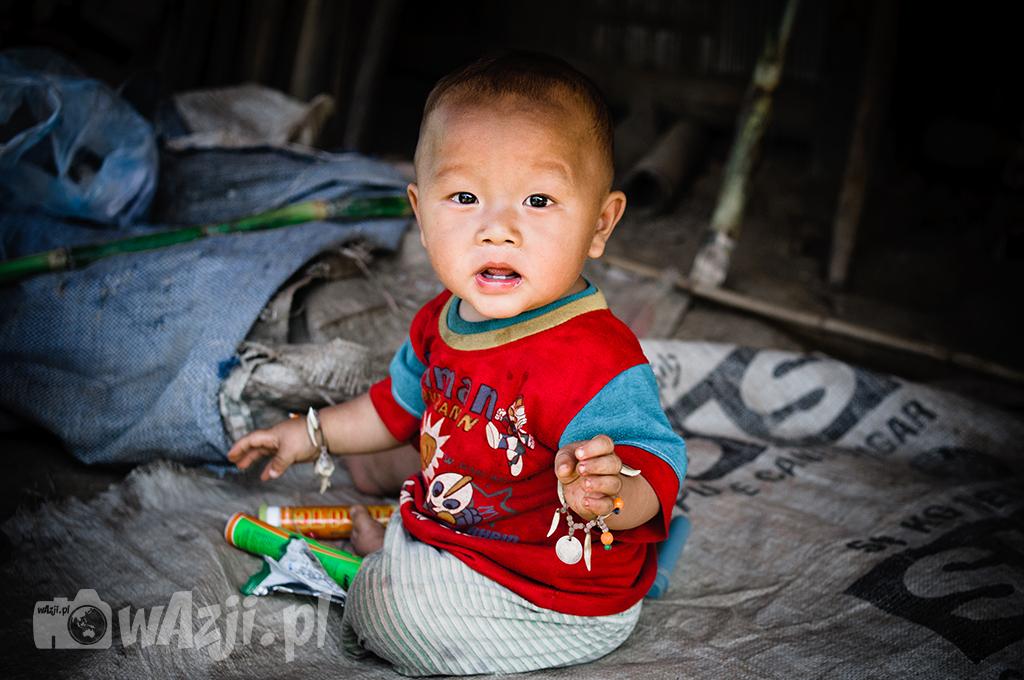 Mały człowiek z ludu Hmong.
