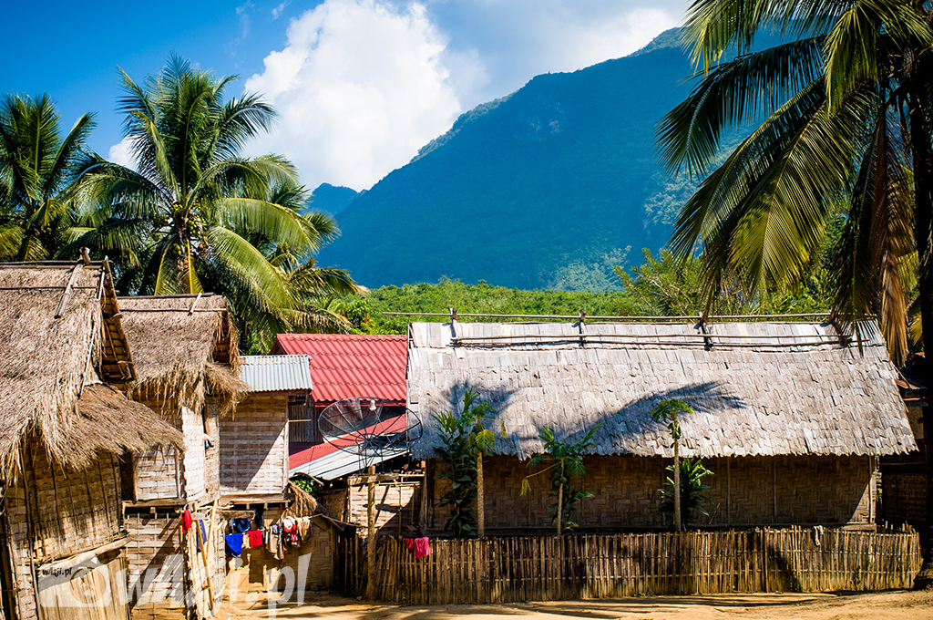 Wioska Hmong w okolicy Luang Prabang.
