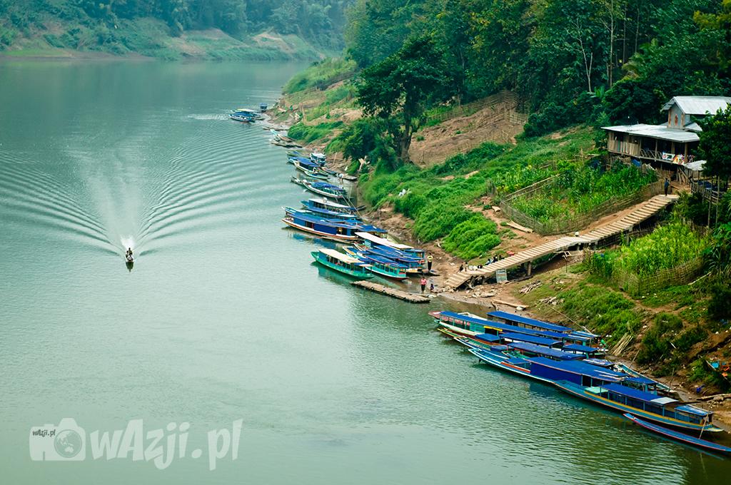 Rzeka Ou w Nong Khiaw.