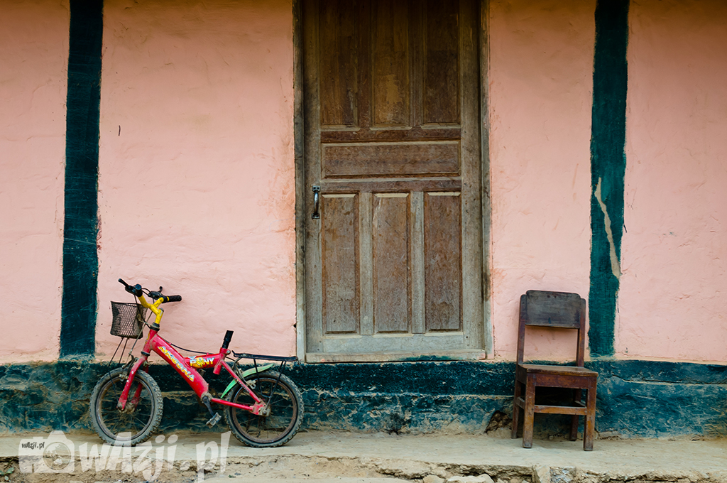 Przed domem w Nong Khiaw.