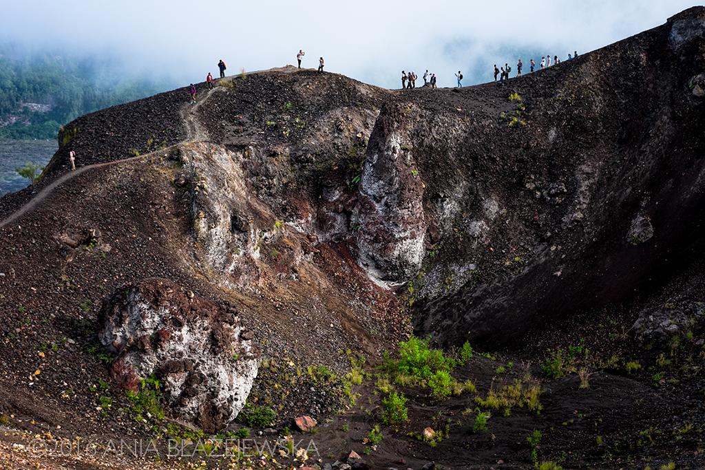 Gunung Batur, Bali. Maj 2016. W tym roku nie wchodziłam na Batur standardową trasą, tylko z zupełnie przeciwnej i ciekawszej strony. Po drodze można podziwiać takie oto widoki.