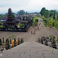 Bali 2008. W Pura Besahih, świątyni-matce.