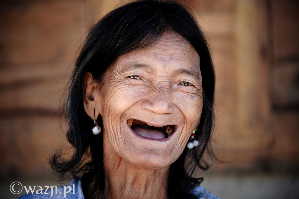 13. Filipiny, Kalinga. Luty 2013. Wspaniały uśmiech z górskiej wioski.