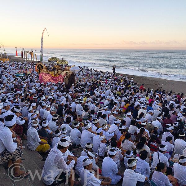 W ceremonii Melasti biorą udział miliony Balijczyków.