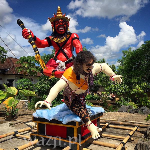 Ogoh-ogoh w Batu Bolong.