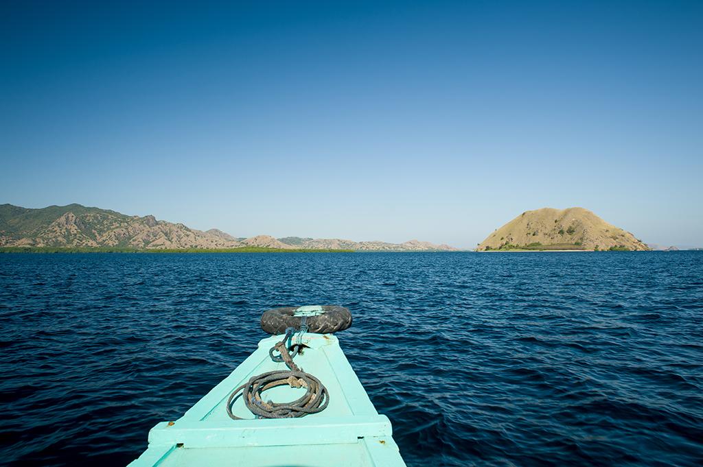 Poranek w drodze na wyspę Komodo.
