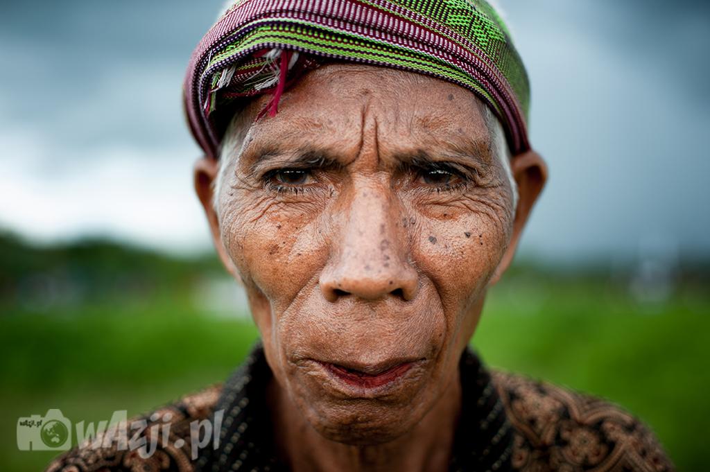 Indonezja, Sumba. Uczestnik Pasoli. Na chwilę przed wielką bitwą na kamienie. (luty 2015)