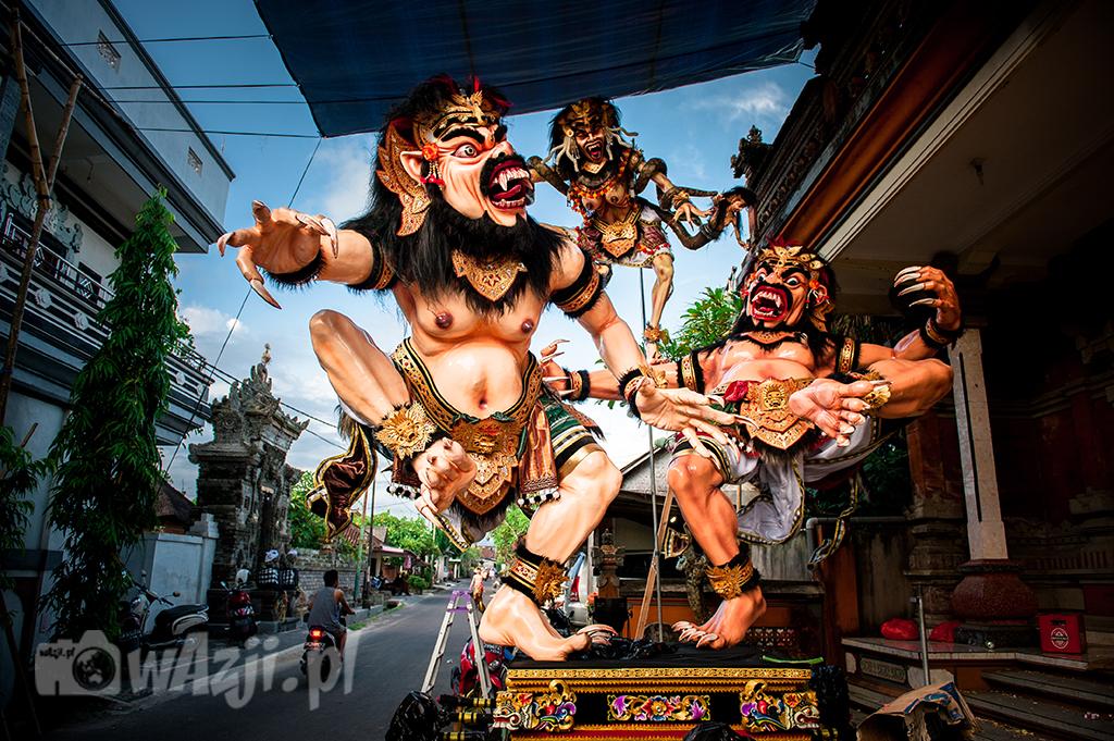 Indonezja, Bali. Imponujące ogoh-ogoh w Munggu w przeddzień Nyepi. (marzec 2015)