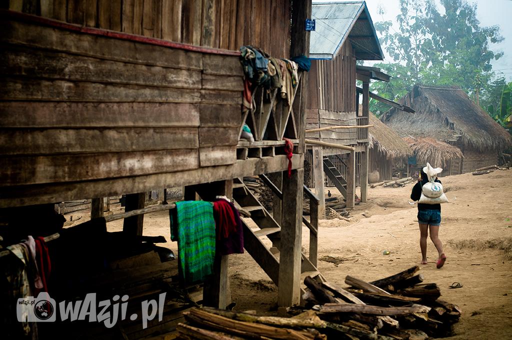 Wioska Khamu w okolicach Luang Nam Tha.