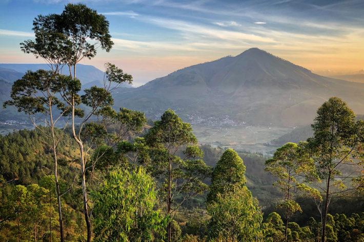 toba_lake_sumatra_indonezja